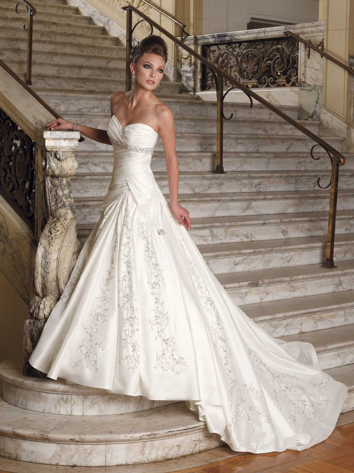 2010 Best Ers Wedding Gown By Sophia Tolli Picture 1