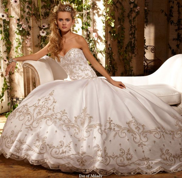 2010 ballgowns and beautiful strapless dresses picture 6 for Pretty ball gown wedding dresses