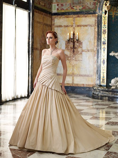 Wedding Dress With Asymmetric Pleats Picture 1