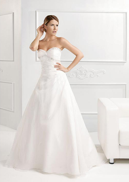 Detail Wedding Dress Collection Nicole Italy8