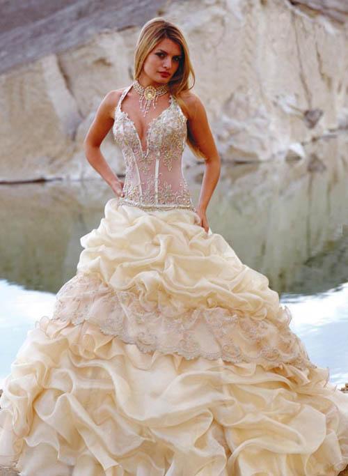 Elegant And Perfect Beach Wedding Dress