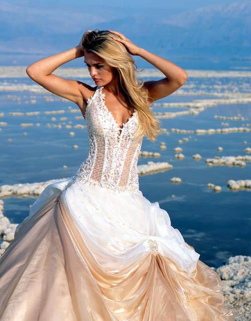 Elegant And Perfect Beach Wedding Dress 2