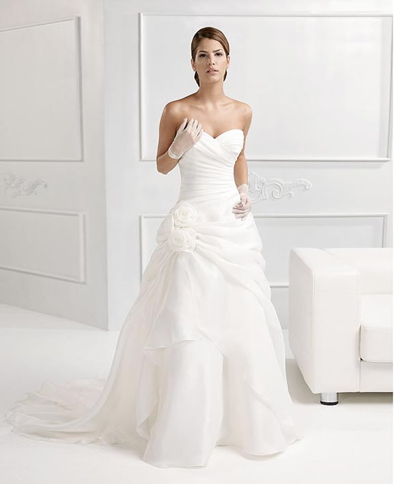 Wedding Dresses Collection With Italian Style From Nicole1