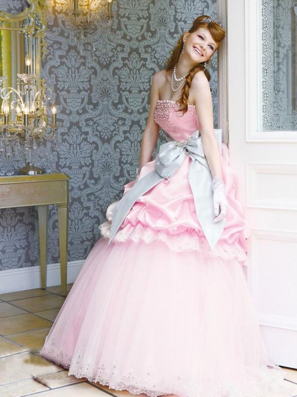 Delightful Candy Buffet On Pretty Wedding Dresses Of Barbie Bridal 4