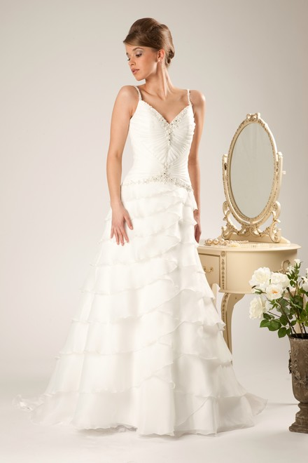 simply beautiful and elegant verise wedding dresses 2011