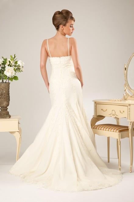 Simply beautiful and elegant verise wedding dresses 2011 2 for Simply elegant wedding dresses