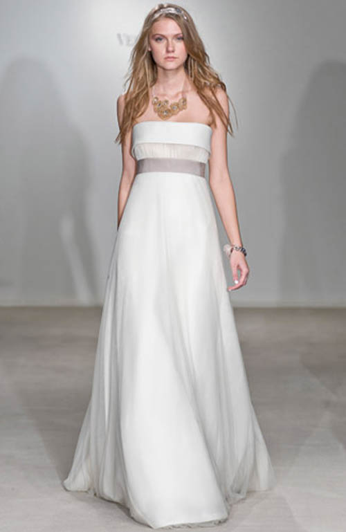 Vera wang wedding gown the best choice for simple gown for Average price of vera wang wedding dress