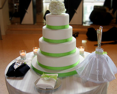 wedding cake cost average check the average cost of wedding cake before you buy 22252