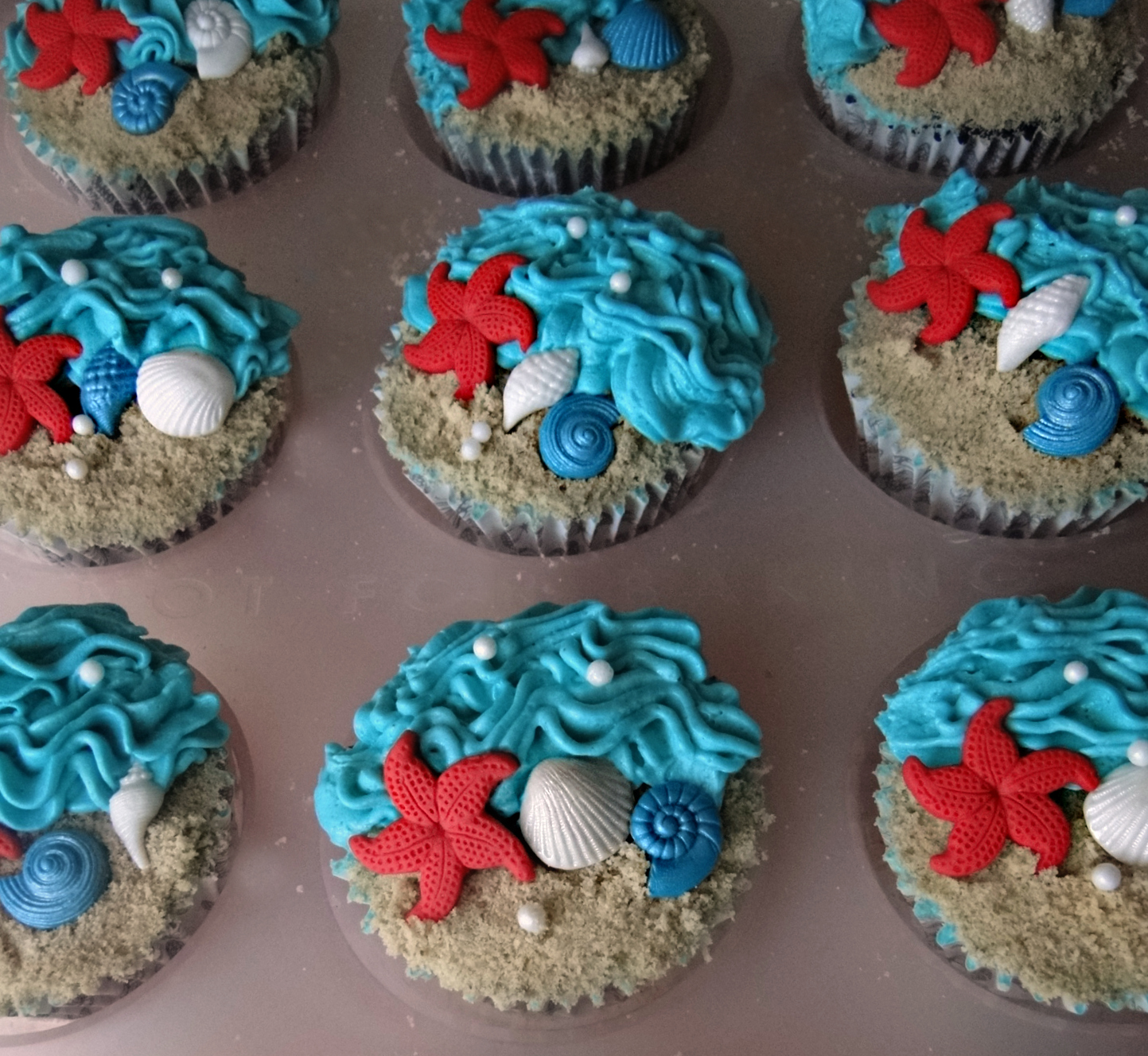 Wedding Cupcake Designed With Beach Theme