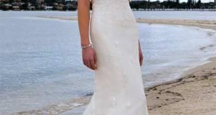 Halter wedding dresses beach