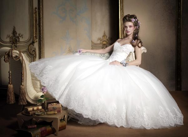 best wedding dress color for pale skin