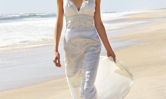 best wedding dress material for beach
