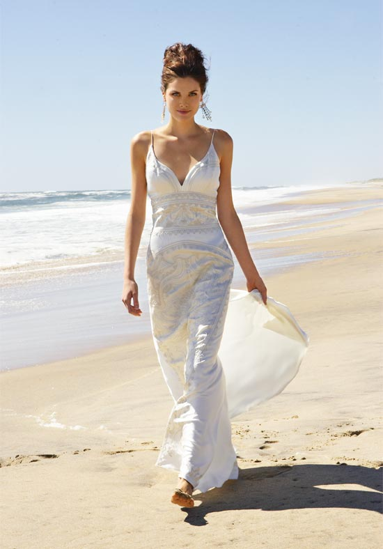 best wedding dress material for beach