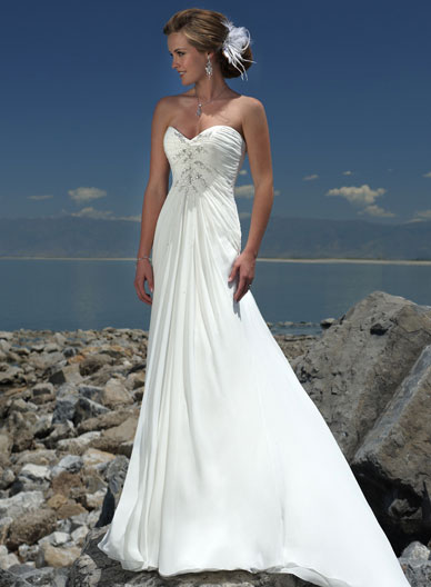Wedding dresses for ceremonies on the beach