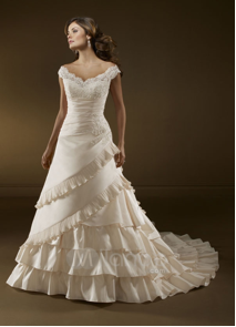 What Type of Wedding Dresses Suit Which Type of Figure 4